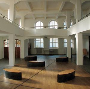 50-019-kirche-zuerich-4-glp-pan-architekten-300